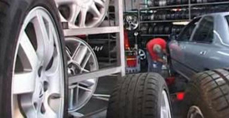 une casse auto moderne où vous trouverez des pièces pour votre Renault 4L